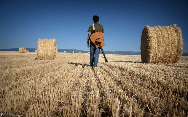 ragazzo-con-una-chitarra
